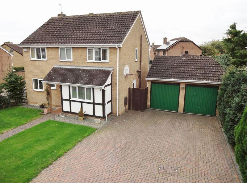 4 Bedrooms Detached House for sale in Briery Close, Great Oakley