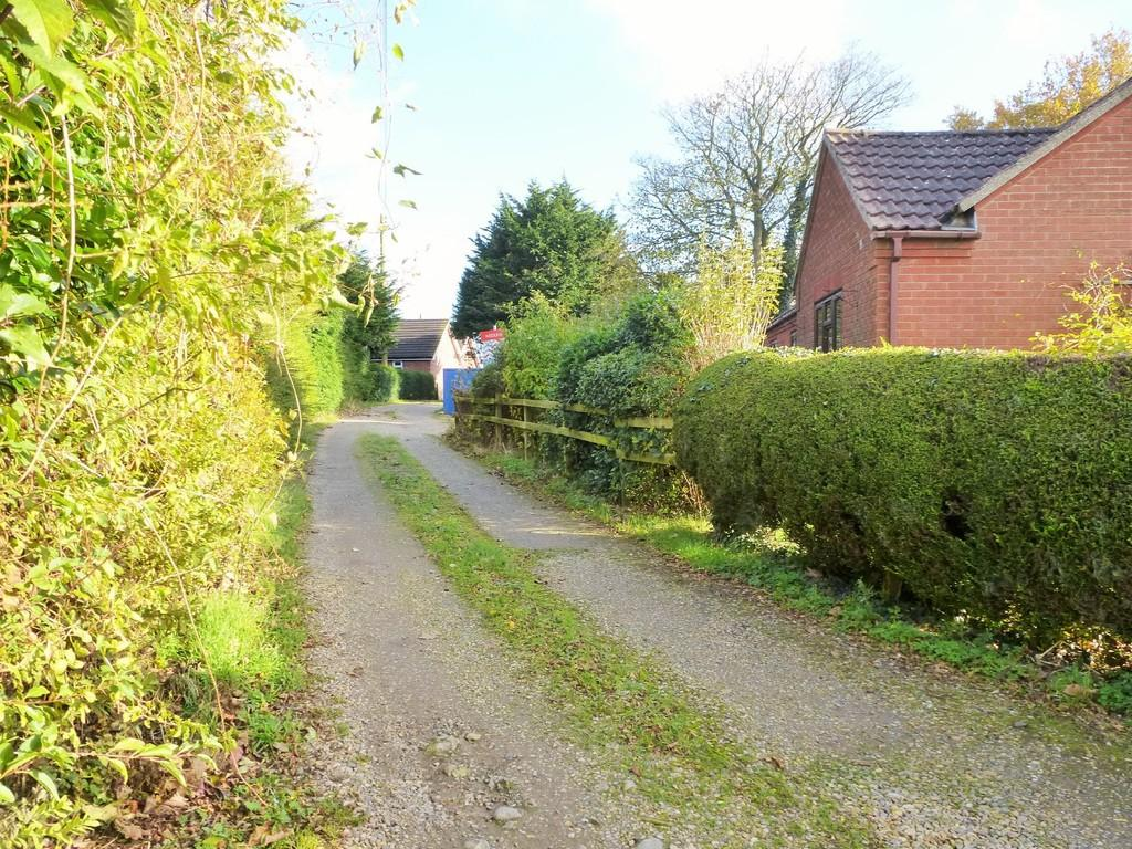 4 Bedrooms Detached Bungalow for sale in Roughton