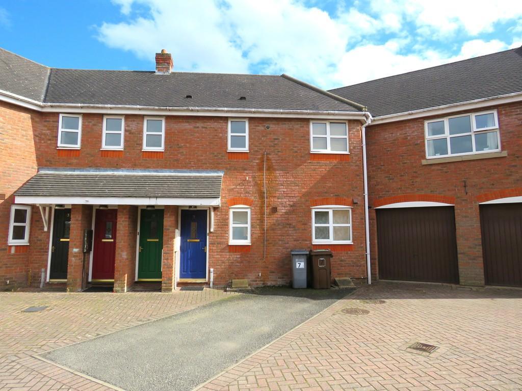 2 Bedrooms Ground Flat for sale in Wadbarn, Dickens Heath