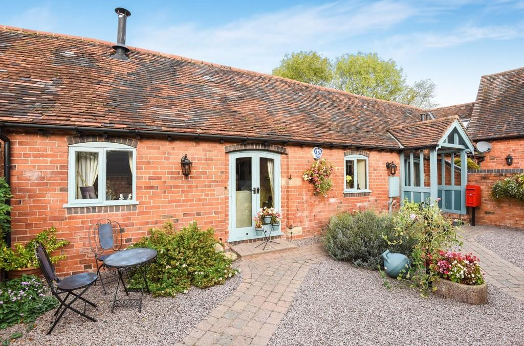 2 Bedrooms Barn Conversion Character Property for sale in Crowley Farm Barns, Ullenhall