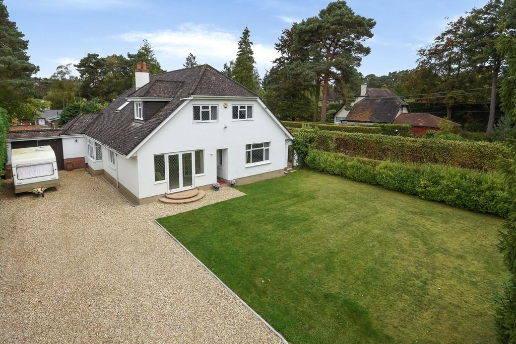 6 Bedrooms Detached House for sale in Carroll Avenue, Ferndown