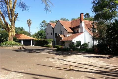 4 bedroom house  - Mua Park Road, Muthaiga, Nairobi