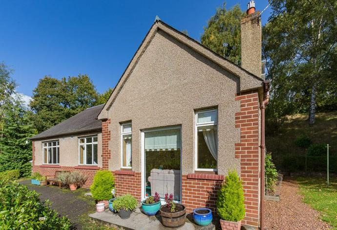 3 Bedrooms Bungalow for sale in Criffel, 33 Melrose Road, Galashiels, TD1 2AT