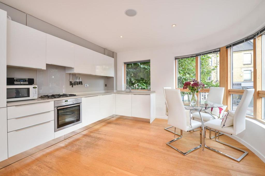 1 Bedroom Flat for sale in St. John's Hill, Battersea