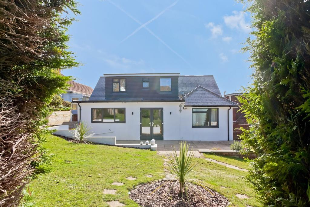 4 Bedrooms Detached House for sale in Balsdean Road, Woodingdean, Brighton BN2
