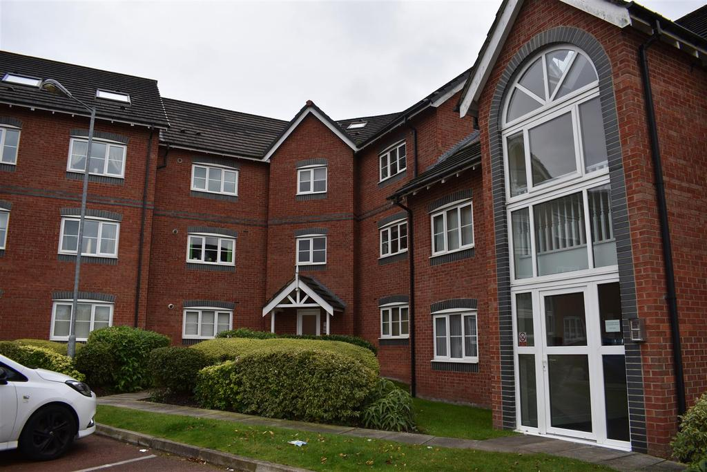 2 Bedrooms Flat for sale in Delph Hollow Way, St. Helens