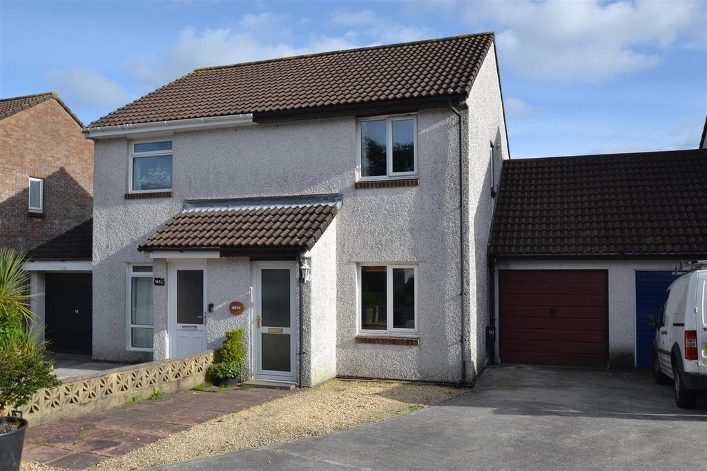 2 Bedrooms Semi Detached House for sale in Little Oaks, Penryn