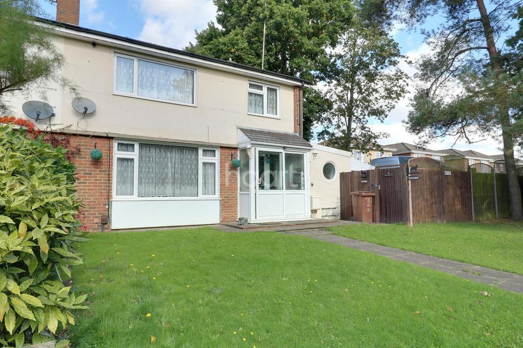 3 Bedrooms Semi Detached House for sale in Bisley, Woking, Surrey