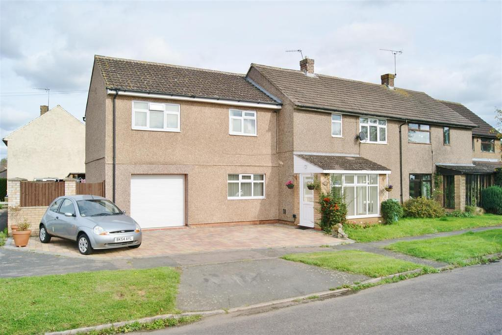 4 Bedrooms Semi Detached House for sale in The Ryelands, Lawford Heath, Rugby