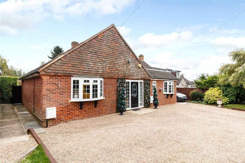 3 Bedrooms Detached Bungalow for sale in Farthing Green Lane, Stoke Poges, Buckinghamshire