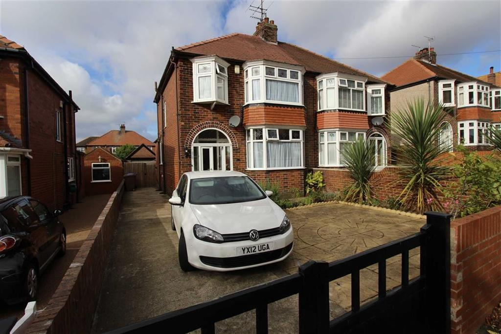 3 Bedrooms Semi Detached House for sale in St Columba Road, Bridlington, YO16