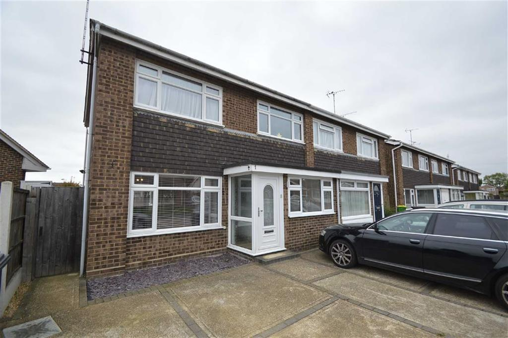 3 Bedrooms Semi Detached House for sale in Devon Gardens, Rochford, Essex