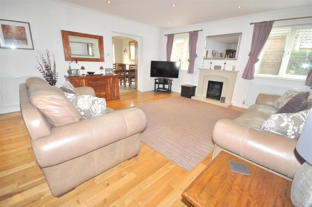 4 Bedrooms Detached Bungalow for sale in Main Street, Kinoulton