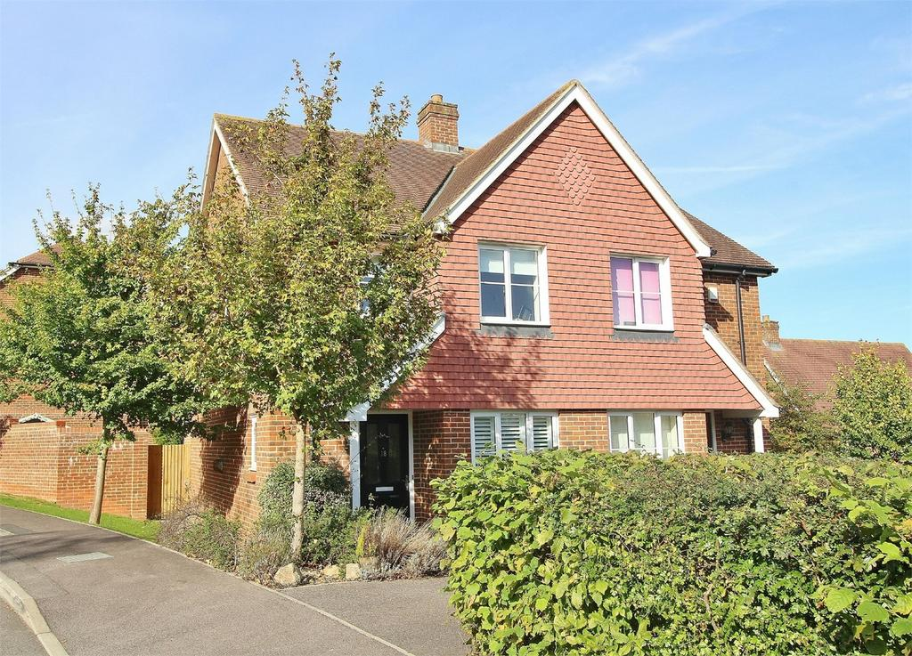 2 Bedrooms Semi Detached House for sale in Baxendale Way, Uckfield, East Sussex
