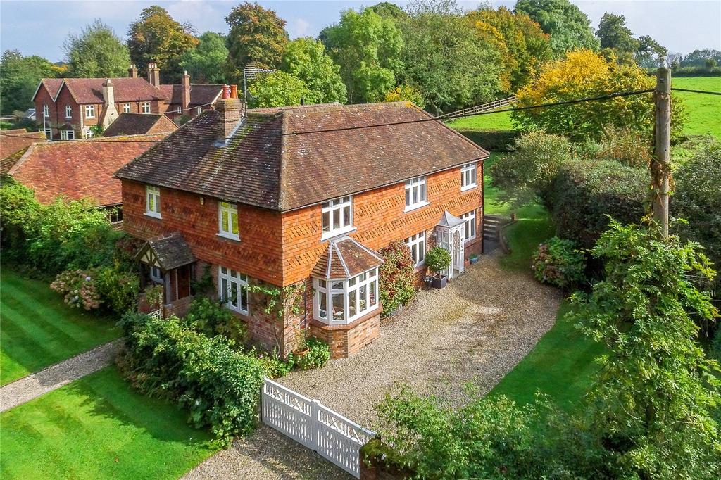 4 Bedrooms Detached House for sale in Pockford Road, Chiddingfold, Godalming, Surrey