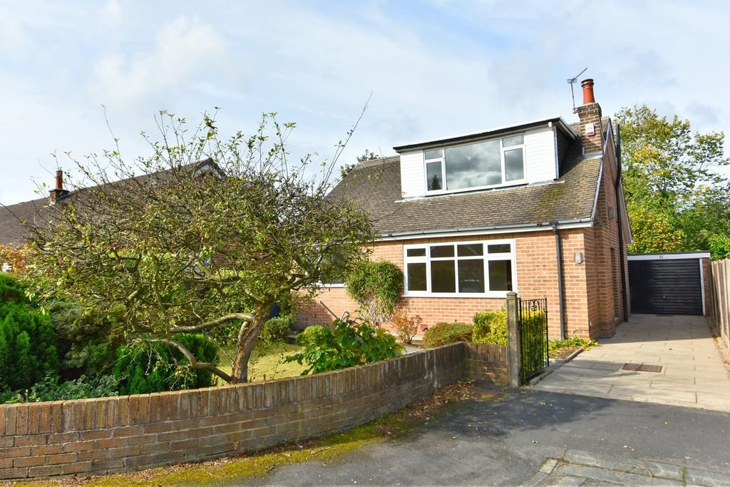 3 Bedrooms Detached House for sale in Windsor Close, Burscough