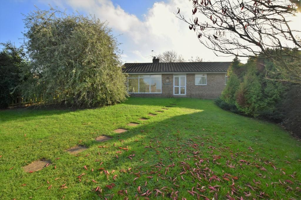 3 Bedrooms Detached Bungalow for sale in Hartest, Bury St Edmunds IP29 4DR