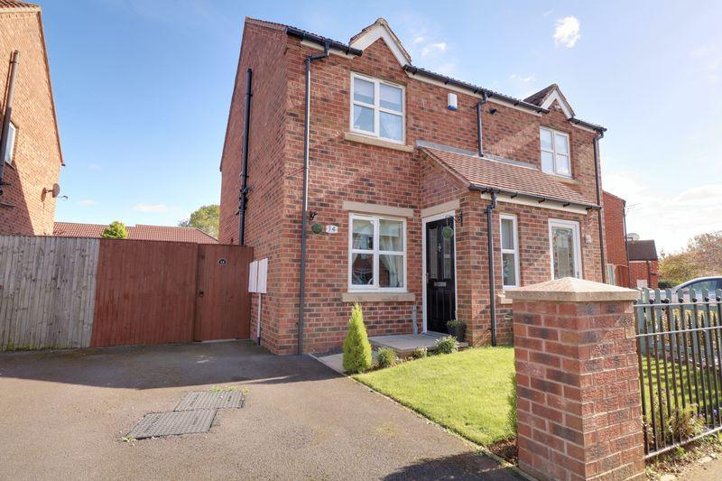 2 Bedrooms Semi Detached House for sale in Greyfriars Close, Scunthorpe