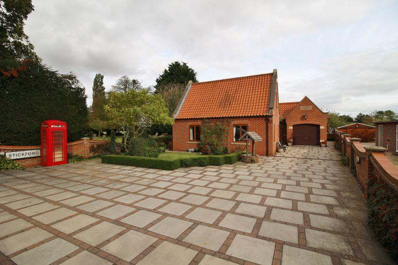 3 Bedrooms Detached House for sale in Church Road, Stickford, Near Boston