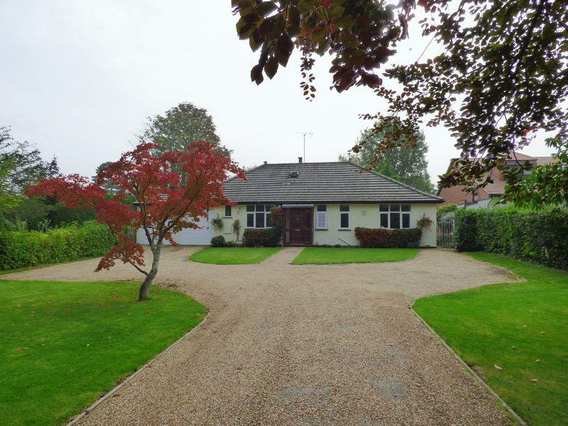5 Bedrooms Bungalow for sale in Bookham