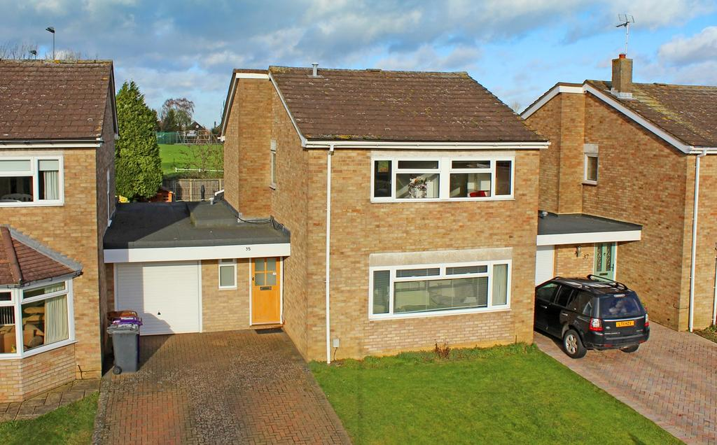 4 Bedrooms Detached House for sale in Brandles Road, Letchworth Garden City, SG6