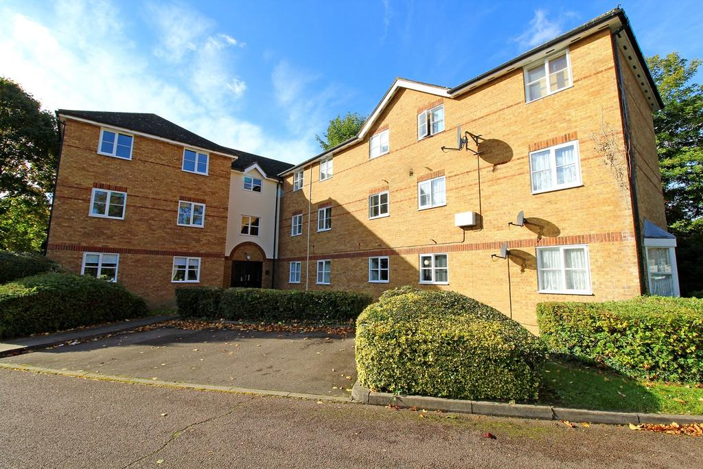 1 Bedroom Flat for sale in Chagny Close, Letchworth Garden City, SG6