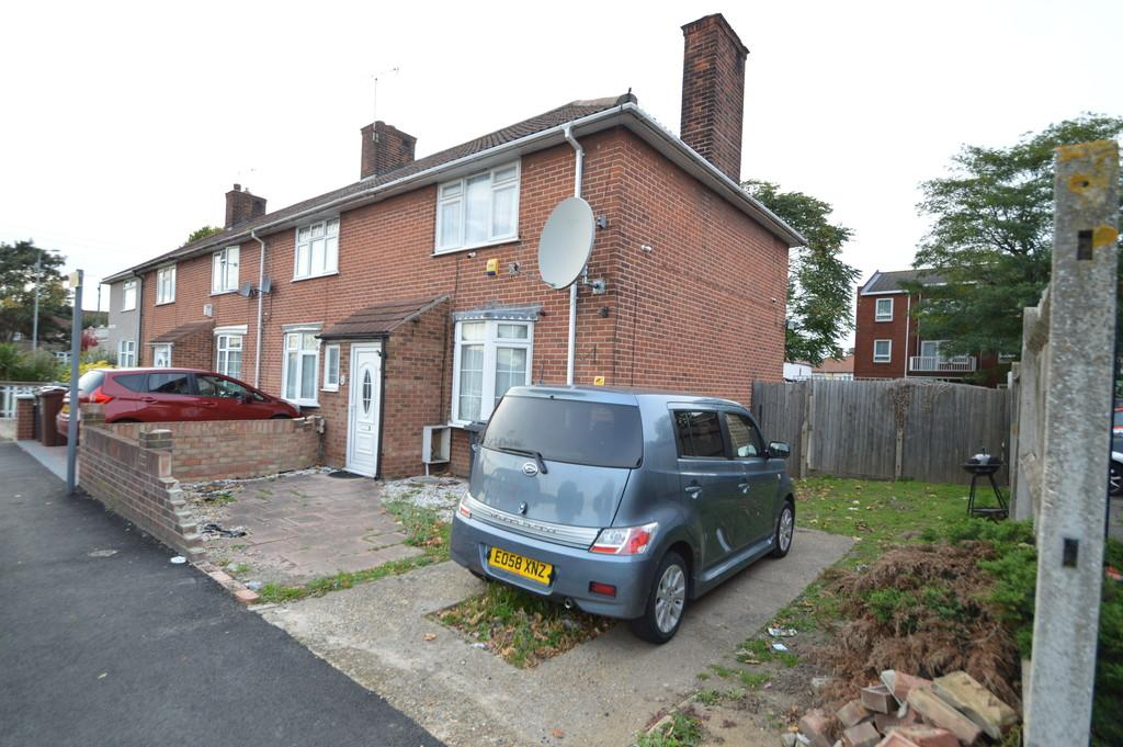 2 Bedrooms End Of Terrace House for sale in St. Georges Road, Dagenham