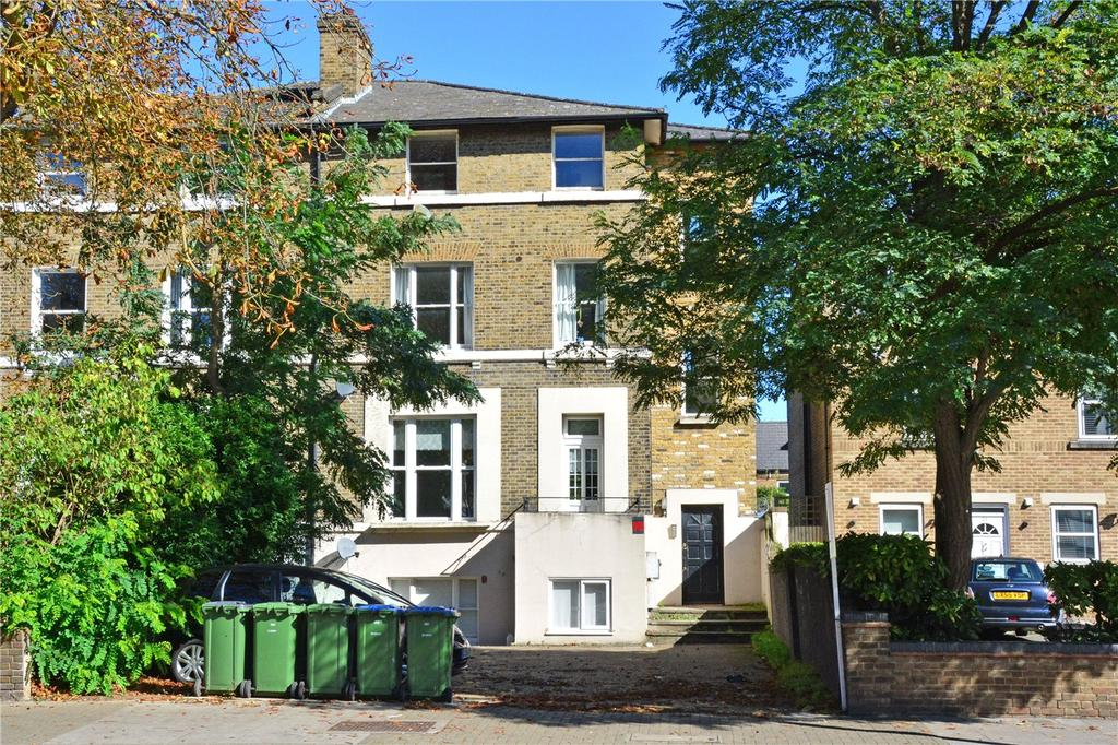 2 Bedrooms Flat for sale in Eltham Road, Lee, London, SE12