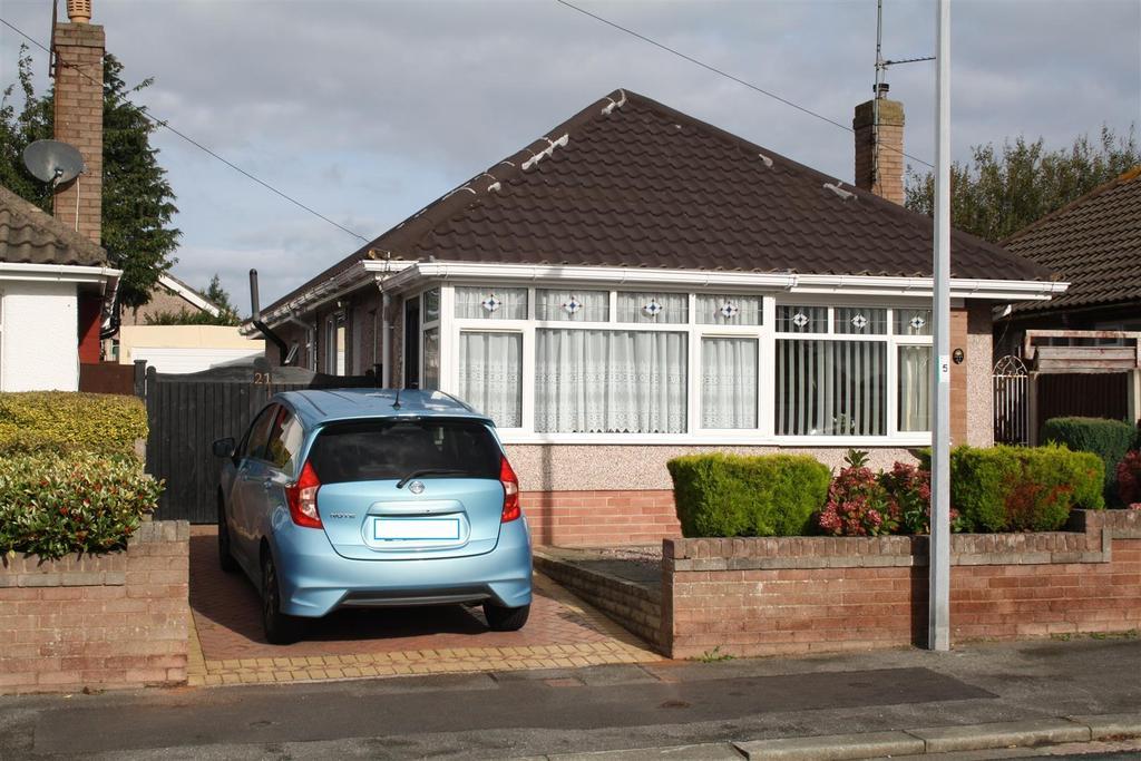 3 Bedrooms Detached Bungalow for sale in Frances Avenue, Rhyl