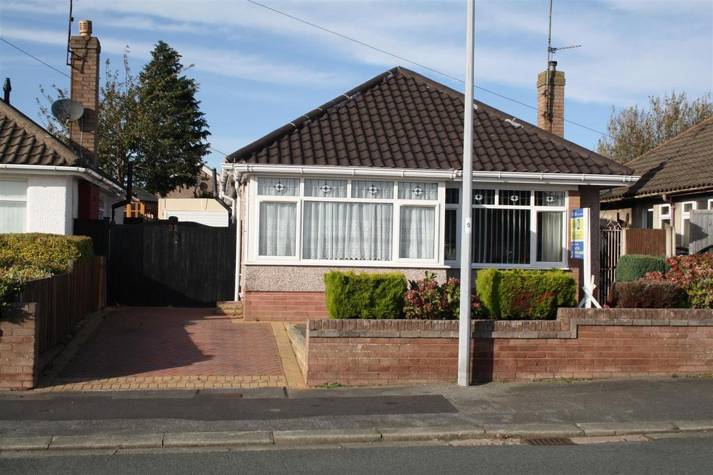 3 Bedrooms Detached Bungalow for sale in Frances Avenue, Rhyl
