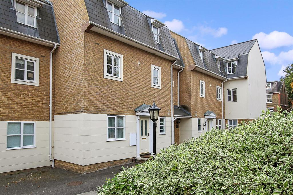 1 Bedroom Apartment Flat for sale in Gresham Close, Brentwood