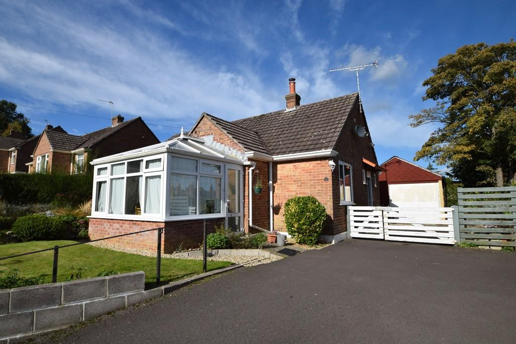 2 Bedrooms Bungalow for sale in Bridport