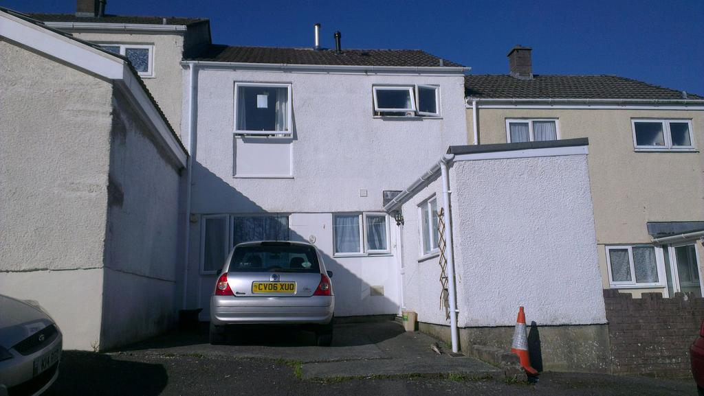 3 Bedrooms Terraced House for sale in 37 Bro Myrddin, Johnstown, Carmarthen, SA31 3HE.