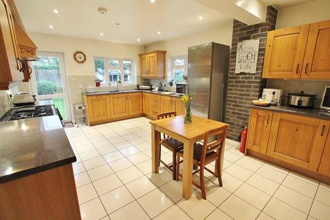 4 bedroom bungalow for sale - Highfield Road, Keynsham, Bristol