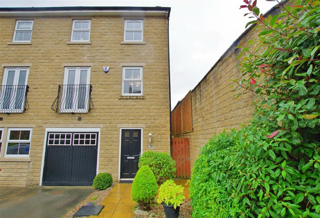 3 Bedrooms House for sale in Maltings Road, Halifax
