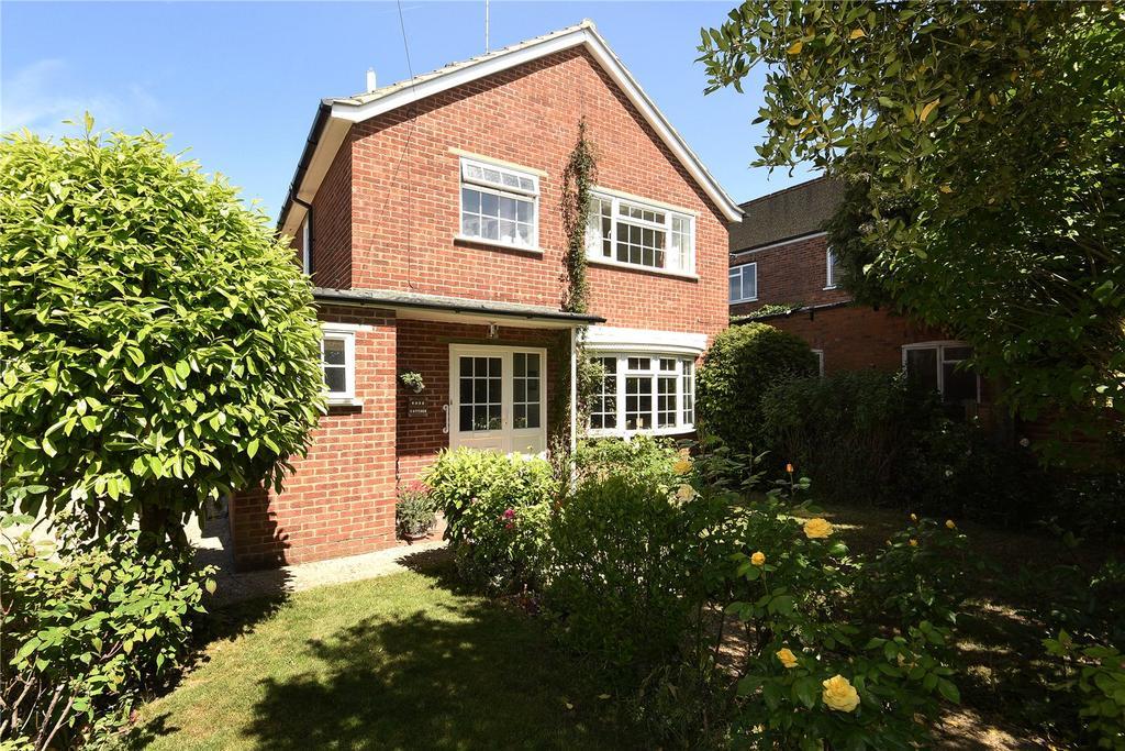 3 Bedrooms Detached House for sale in Elm Road, Windsor, Berkshire, SL4