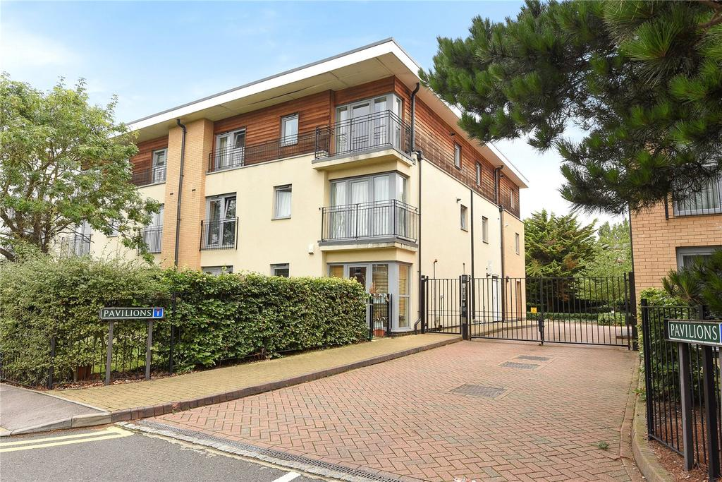 2 Bedrooms Apartment Flat for sale in Pavilions, Windsor, Berkshire, SL4
