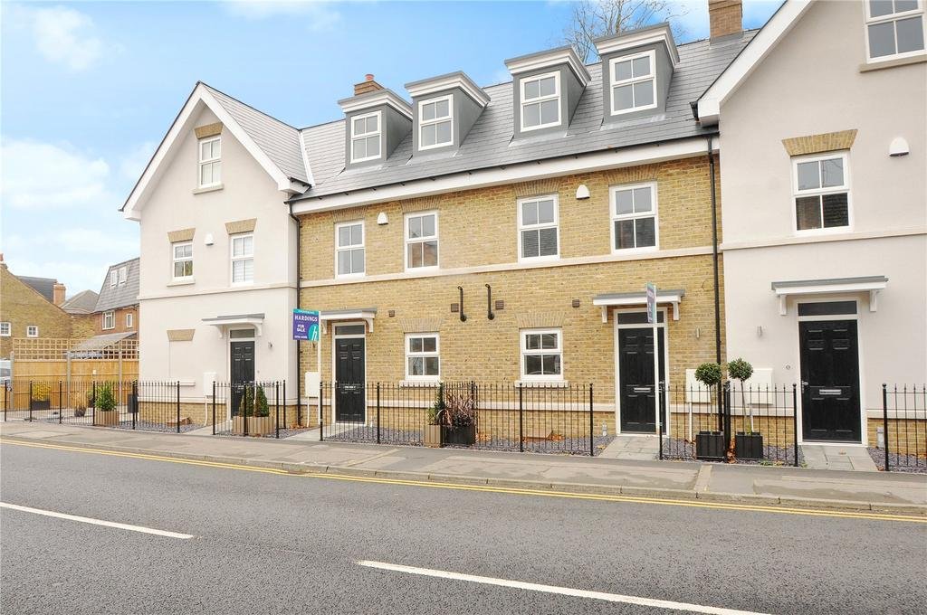 3 Bedrooms Terraced House for sale in St Leonards Road, Windsor, SL4