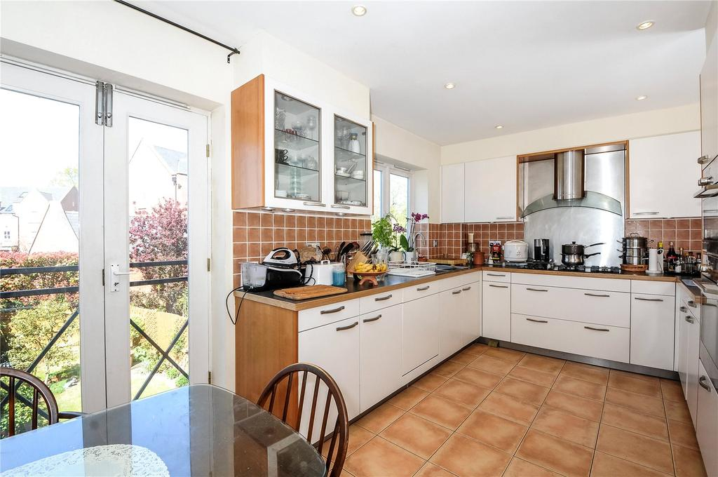4 Bedrooms Terraced House for sale in Longbourn, Windsor, SL4