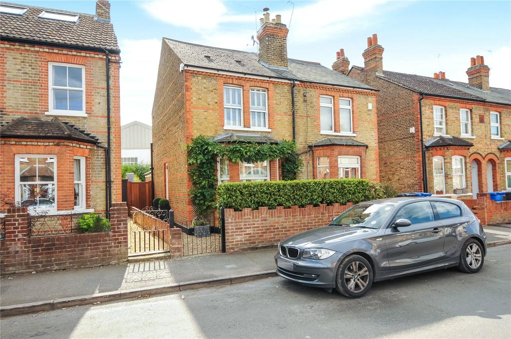 3 Bedrooms Semi Detached House for sale in Springfield Road, Windsor, Berkshire, SL4