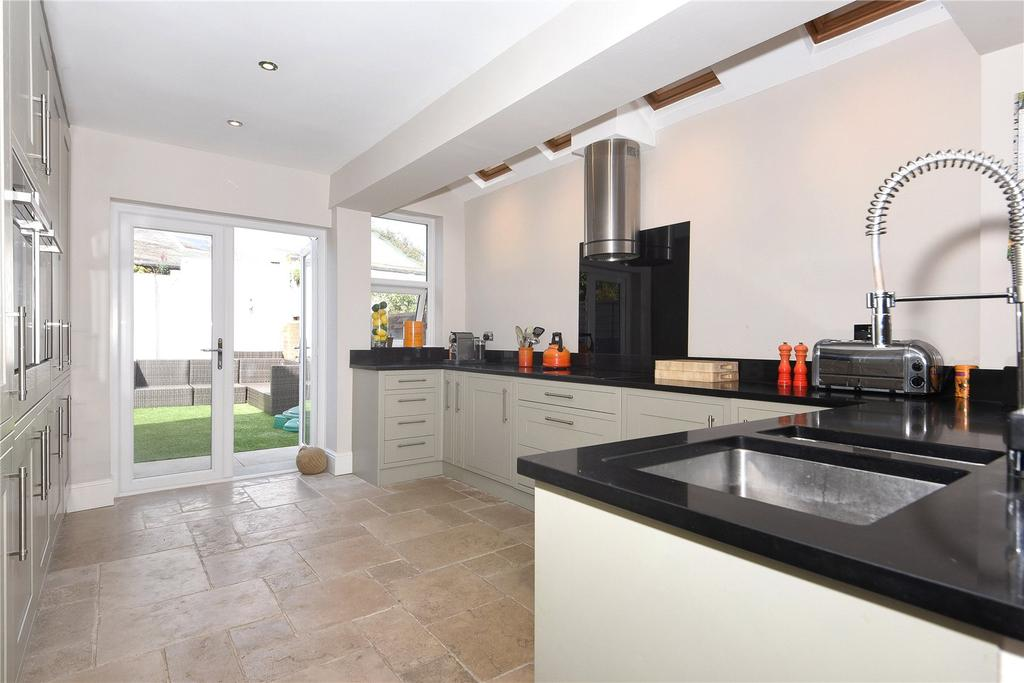 3 Bedrooms End Of Terrace House for sale in Bourne Avenue, Windsor, Berkshire, SL4