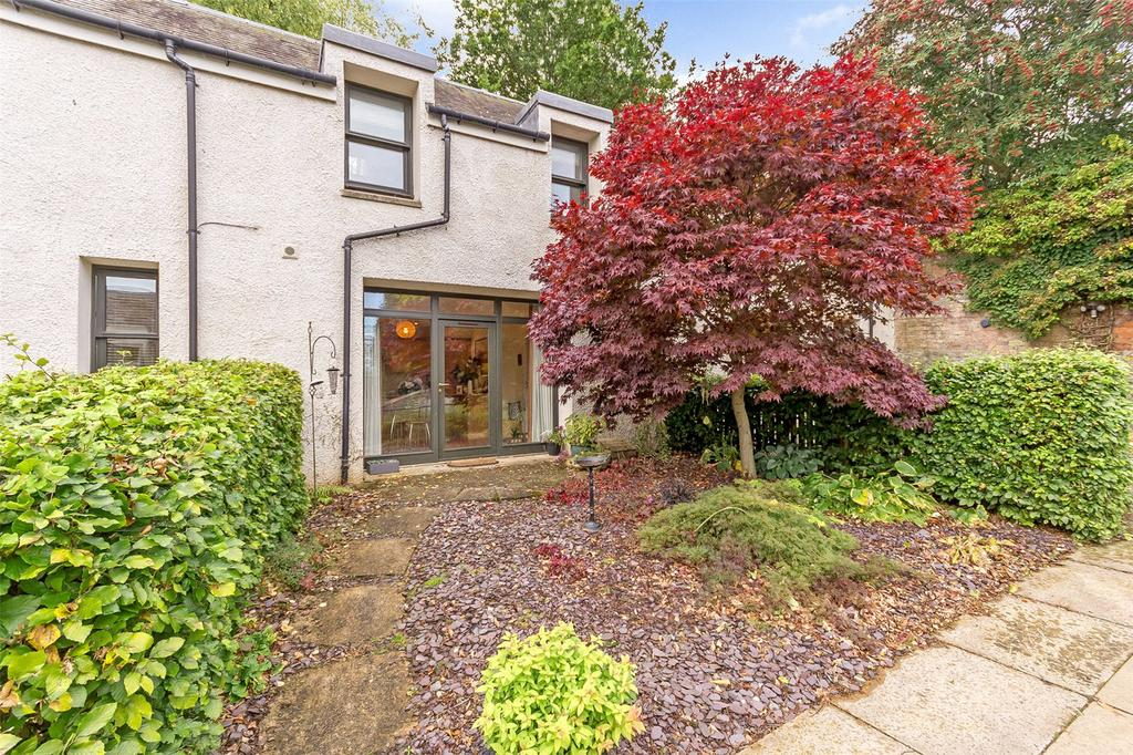 2 Bedrooms Terraced House for sale in 9 Hamilton Gardens, Perth, PH2