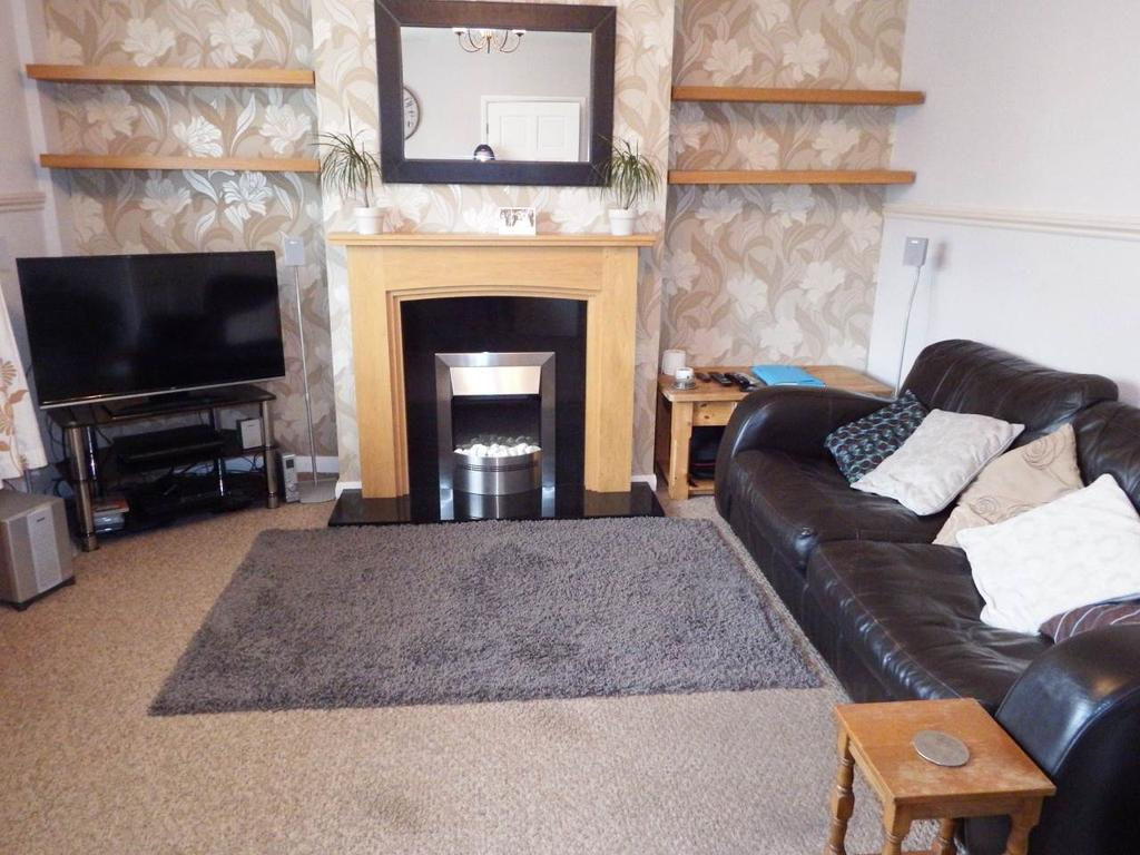3 Bedrooms Semi Detached House for rent in Oxton Avenue, Sherwood, Nottingham