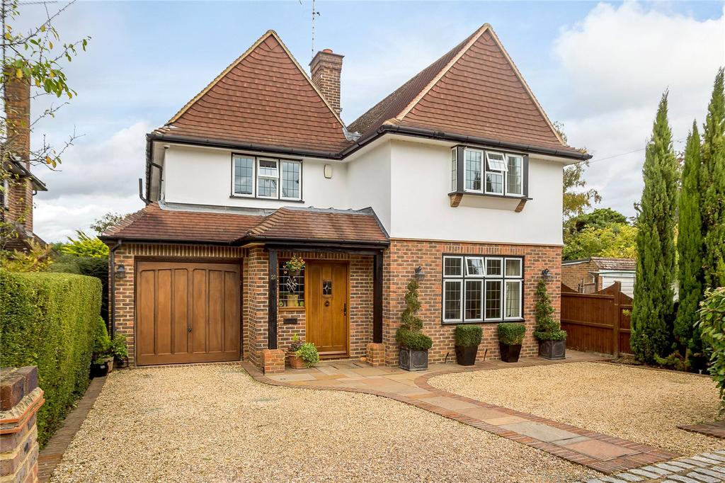 4 Bedrooms Detached House for sale in Grasmere Avenue, Harpenden, Hertfordshire