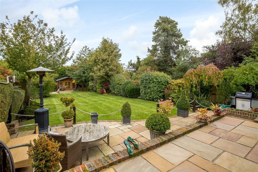 4 Bedrooms Detached House for sale in Grasmere Avenue, Harpenden, Hertfordshire