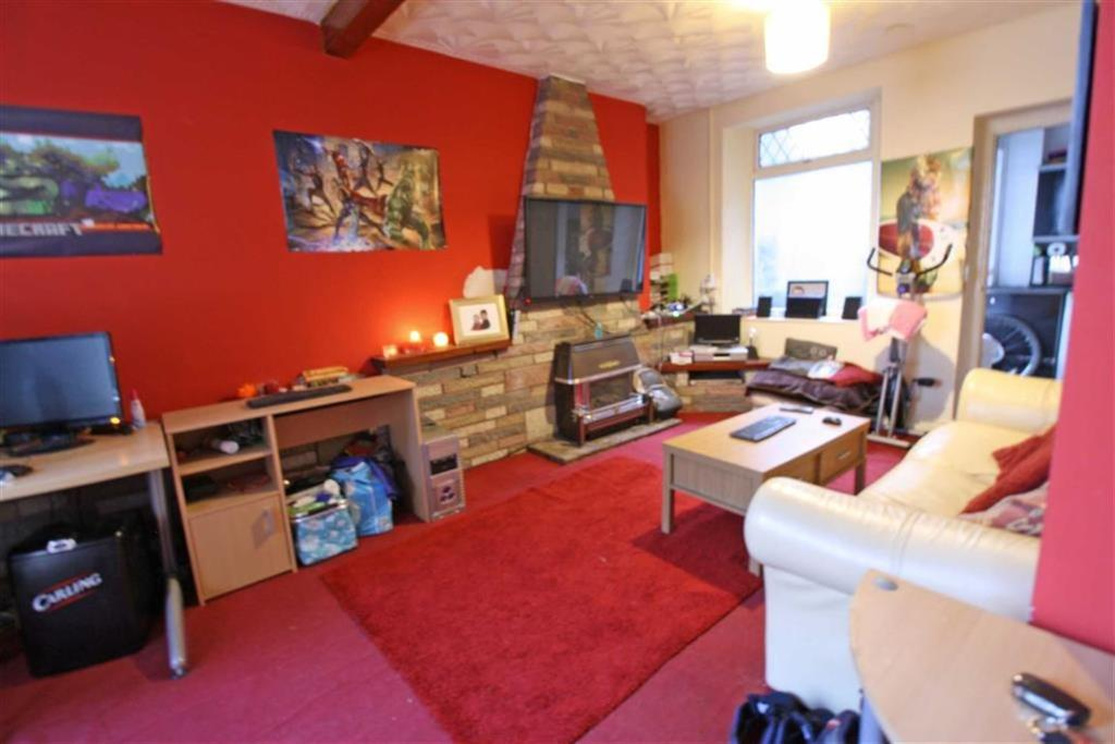 3 Bedrooms Terraced House for sale in Victoria Street, Mountain Ash, Mid Glamorgan