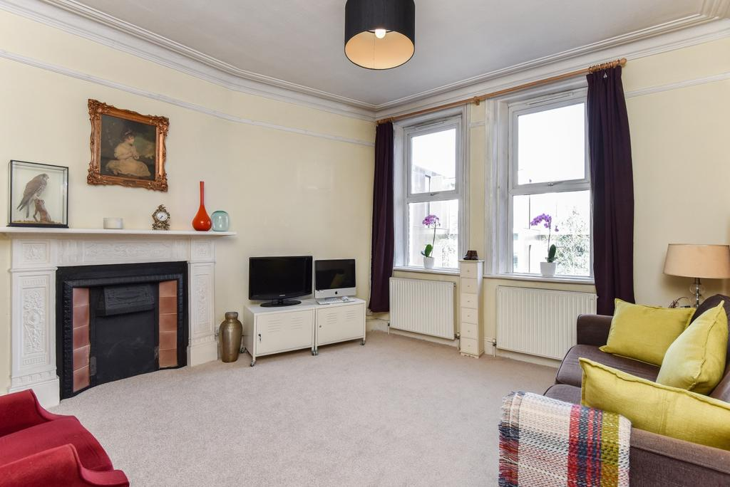 2 Bedrooms Flat for sale in Bavent Road Camberwell SE5
