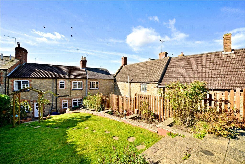 4 Bedrooms Unique Property for sale in Church Lane, Wollaston, Northamptonshire