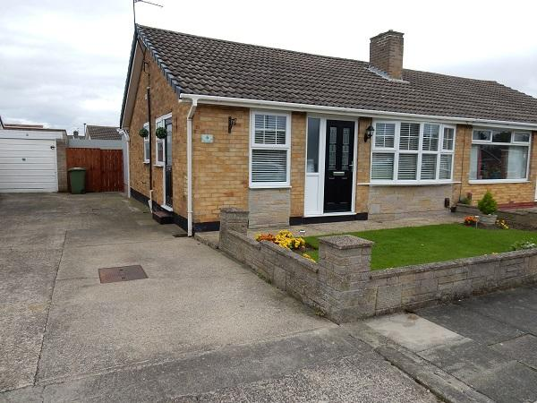 2 Bedrooms Semi Detached Bungalow for sale in Birch Grove, Stockton on Tees TS19