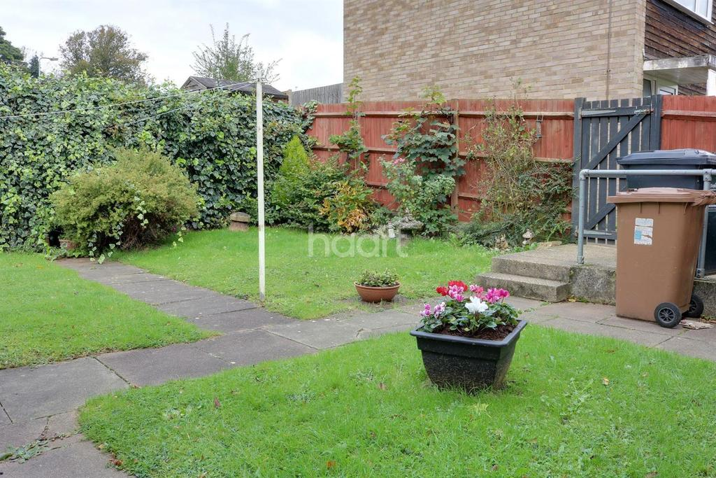 1 Bedroom Flat for sale in Vardon Road, Pin Green, Stevenage